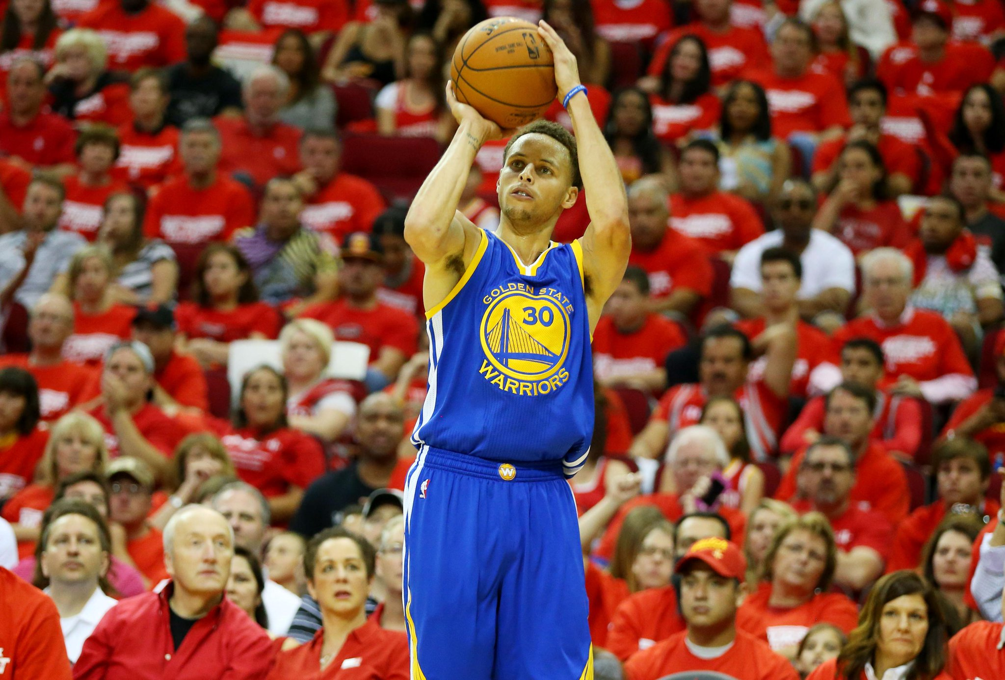 40 points, 7 assists, & 5 rebounds as Stephen Curry goes to the bench late in the 4th quarter. http://t.co/kWCHkF0GCf