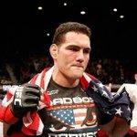 Weidman atropela Vitor Belfort e mantém cinturão invicto no UFC http://t.co/fsuKoQ89j0 http://t.co/gb4Slq41Df