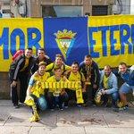 ¿Cádiz o Oviedo? #OviedoAmarillo http://t.co/M4ChsZPRst