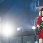 AC/DC, insensible aux modes et aux années, électrise le Stade de France http://t.co/o9KYQ29MGl #AFP http://t.co/Qv5lUUS8Cx