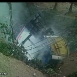 Thane (Maharashtra): Gas tanker turns turtle; adjoining areas evacuated after gas leakage wreaks havoc. http://t.co/h7wezjNuiB