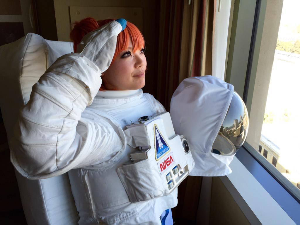なんとNASA公式コスプレスーツ着れたwwwwww http://t.co/TRI7ZvxsIZ
