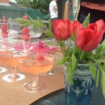 Strawberry and elderflower bellinis for a little bit of summer in a glass #artcarbootique http://t.co/R6wOQnxV5C