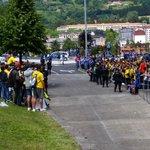 Cadistas preparados para recibir al Cádiz CF. #OviedoAmarillo http://t.co/b3mnR7mJT4