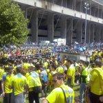 No, no es el Carranza, es el Carlos Tartiere de Oviedo teñido de amarillo #VivaElCadizCF Foto: @jcaravaca21 http://t.co/nYPhoulzcY