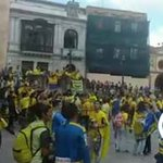 La marea amarilla invade Oviedo. Espectacular ambiente en la previa del #RealOviedo-#CádizCF http://t.co/U01FT7F4vO http://t.co/dqFDMHVswk