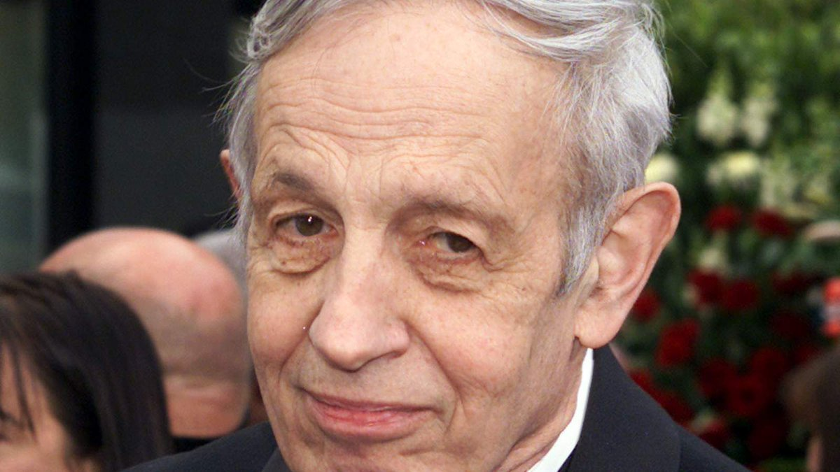 """@SkyNews: ""A Beautiful Mind"" mathematician John Nash killed in taxi accident http://t.co/sZQRgn8MTe http://t.co/3NdGKCNqM9"" 数学家纳什车祸身亡。"