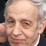 """A Beautiful Mind"" mathematician John Nash killed in taxi accident http://t.co/9wj3K7pCJx http://t.co/by0UH3GJki"