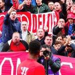 Raheem Sterling ne semble pas faire lunanimité chez les fans de Liverpool... http://t.co/CremPl58Ix