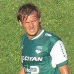El defensor de Atlético Paraná Cristian Gómez se desvaneció en el partido ante Boca Unidos por un problema cardíaco. http://t.co/ShLirOhhtj