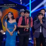 Wow! @sheilaon7 menang lagi di kategori Group/Band/Duo of The Year. Selamat yah! #NET2Anniversary http://t.co/r4Bo6tykDl