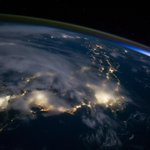 Stumbled across this shot of #Japan at night with #Tokyo shining bright. http://t.co/1yRqYc9GE2