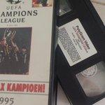 RT @martijnpaehlig: De videoband is gevonden... nu de videorecorder nog operationeel krijgen... #stofnest  #nostalgiemetvhs #Ajax1995 http:…