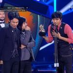 Lagi dan lagi! @sheilaon7 dengan lagu Lapang Dada berhasil membawa piala Song of The Year. #NET2Anniversary http://t.co/7hoYHSOnFe
