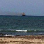 """1-طائرة حربية تابعة للمتقاعد حفتر تقصف ناقلة وقود اسمها""""أنوار ليبيا""""كانت متجهة إلى محطة الخليج البخارية في مدينة سرت http://t.co/1YC1fbJ8sZ"""
