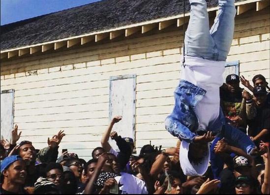 Kendrick Lamar shoots 'Alright' video in Oakland: http://t.co/rgXpLAOP5w