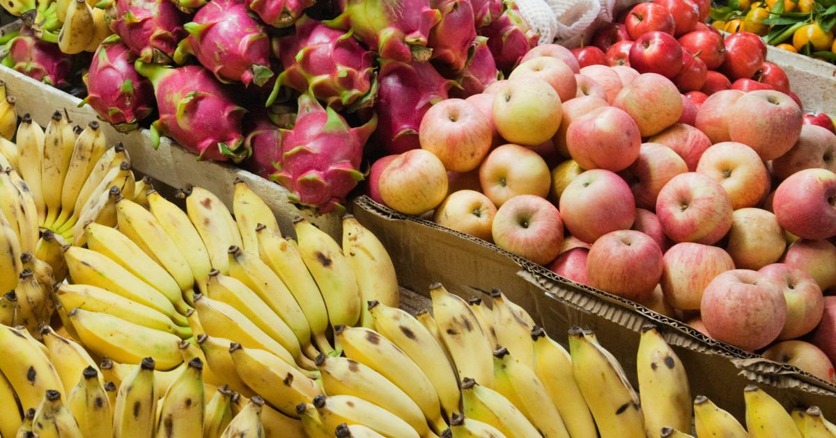 France just made it illegal for supermarkets to throw out their food: http://t.co/h294GdWXhB http://t.co/sm1ai3rIds