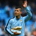PHOTO @aguerosergiokun takes home the @BarclaysFooty Golden Boot for the first time in his career #BPLfinale http://t.co/kesdQJCbHM