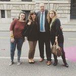 volontarie #faigiovani oggi #ts x arTS con @RobertoCosolini e la collaborazione del @ComunediTrieste e Allianz http://t.co/A1j1xhhRXV