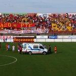 Se desvaneció un jugador de Atlético Paraná en el partido contra @clubbocaunidos. http://t.co/Vgs8DISmob