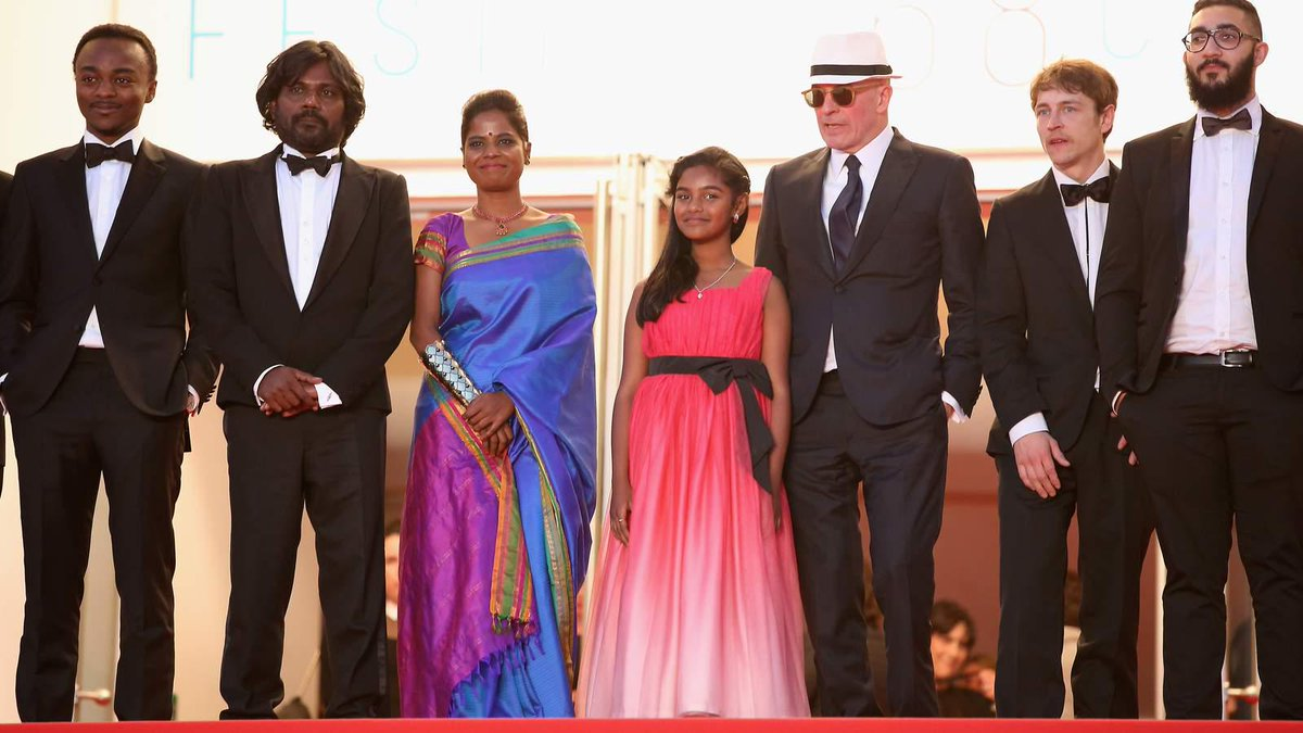 Migrant drama Dheepan has taken the top award at the Cannes film festival in France http://t.co/UyC8UgeRWp