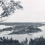 MILL POINT, SOUTH #PERTH, FROM KINGS PARK, 1930 - Much infill since then, incl Millers Pool. @CitySouthPerth @RTRFM http://t.co/wGQE3Ytazx
