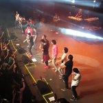 #Caballeros en acción #conciertomario http://t.co/0eOriELTZk