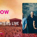 The Kings of tonights #BigWeekend, @foofighters on right now! http://t.co/Dk9VSINtLq