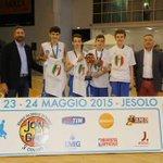 #Basket Bravi gli Under 13 dellAzzurra che vincono il Tricolore alle finali @JoinTheGame_IT. @il_piccolo http://t.co/RAXxGcO2Ez