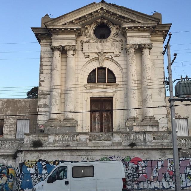 Valparaíso, sede del olvido http://t.co/I7ScKnCw3m http://t.co/io2zt7NJf9
