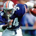 Best sports athlete of all time • Round of 32 • Rt~Bo Jackson Fav~Tony Hawk http://t.co/VfvN1PtNn2