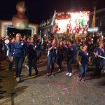 In Zele gaat het feestje gewoon nog even door... #Roparun http://t.co/3OMynbes6H