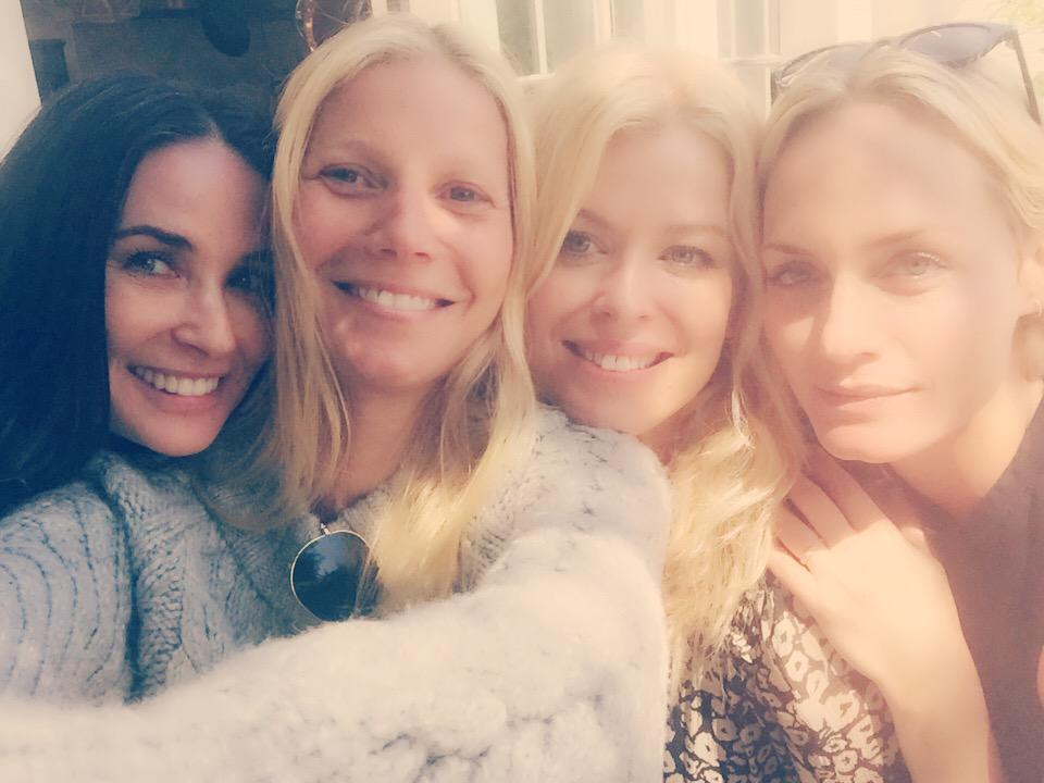 birthday fun celebrating my lovely friend @amandadecadenet with these blonde beauties @GwynethPaltrow @ambervalletta http://t.co/TzPjryUovZ