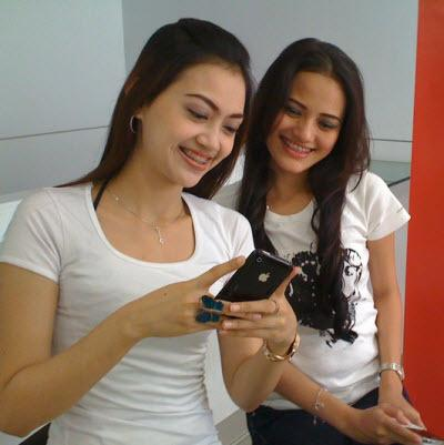 Serius Ini Bahaya Yang Mengintip Pecandu SMS dan BBM - AnekaNews.net