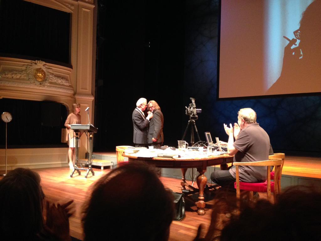 Johan Doesburg werd zojuist benoemd tot Ridder in de Orde van de Nederlandse Leeuw! http://t.co/Ho6tvo3yXf