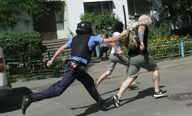 Марш равенства в Киеве атаковали ультраправые Новости.