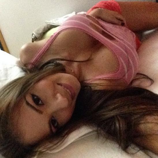 RT @CarteLdeLaMega: Estrella porno @esperanzaxxx  cautiva  más de la cuenta al lado de @cashbta   http://t