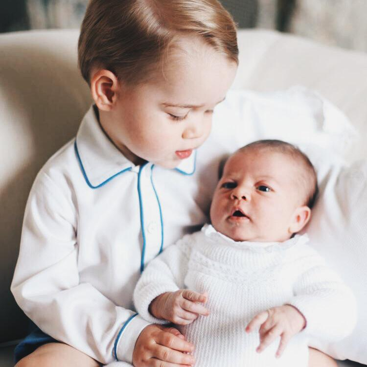 Prince George and Princess Charlotte showing you how to be flawless siblings.
