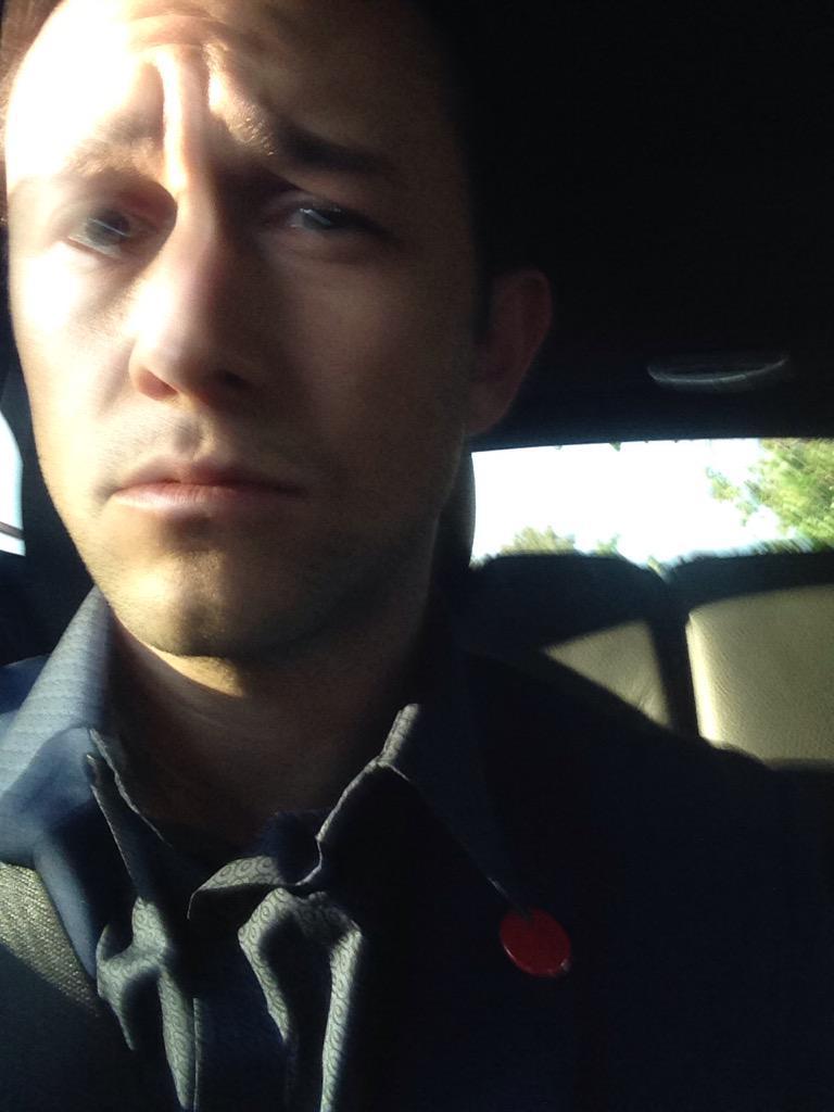 Car selfie. #GuysChoice #redbutton #hustlin #HITRECORDonTV http://t.co/ZrpKpGkbnv