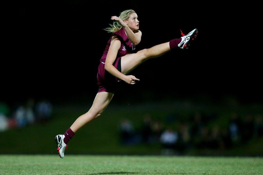 Fantastic pic!  RT @AFLQ: Wow ... Tayla Harris in full flight for QLD against Tassie @KicksforChicks http://t.co/kdy5tiZz2q