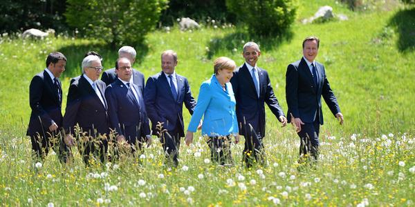 This Sound of Music re-make does not look promising    http://t.co/a01xnLYe1A