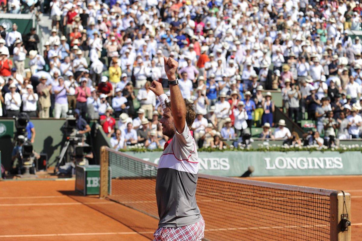 STAN THE MAN! @stanwawrinka wins his maiden French Open title (2nd GS crown), d. World No.1 #Djokovic 4-6 6-4 6-3 6-4 http://t.co/EBFYT2trXg