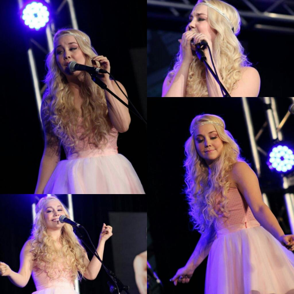 So proud of what Rae's accomplished since this 1 year ago today. || @RaeLynnOfficial Love you! Can't wait for Weds! http://t.co/fWO0joR2Q8