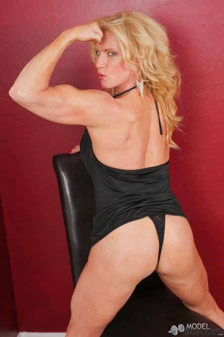 check out http://t.co/u3y1kGPCWA if you like #girlswithmuscles #irongirls #bicepsonwoman #strongwoman