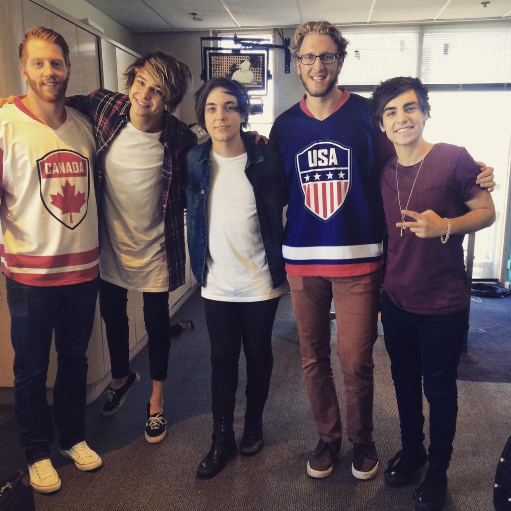 Nice meeting @AndrewKantarias and @bandatsunset today at the Gold telethon, raising money for the childrens hospital http://t.co/K9ciXmuZaC