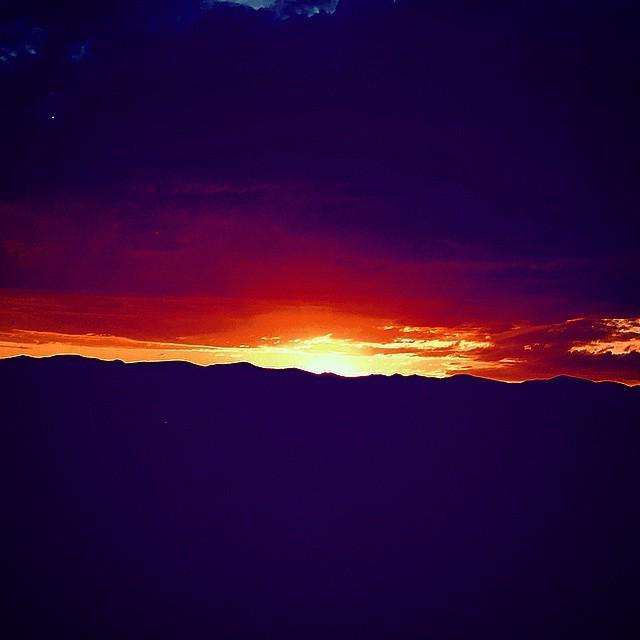 Tonight in Santa Fe! #theaxcessgroup @axcesskaren @upshiftdigital http://t.co/OuUyc21CLM http://t.co/lhlrgy2eJG