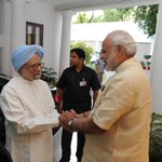 Wonderful example of decency & maturity by Modi, MMS. Political differences shdnt encroach shared national interest http://t.co/owPNIf8AsN