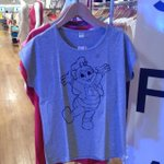 Uniqlo to carry Jollibee T-shirts http://t.co/8lFAx0Ly87 http://t.co/wO0HNKkEhP