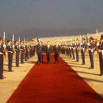 En este momento, el Presidente @JuanOrlandoH, arriba a la República de Chile: http://t.co/n424nULeDR
