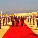 Pdte. @JuanOrlandoH a su arribo a la República de Chile en el inicio de visita oficial a ese país. http://t.co/ubLrt8H9yo
